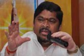 Centre Trying To Revoke RTI Act: Ponnam